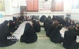 برگزاری دعای ندبه دبیرستان شهیده روحی ابرکوه