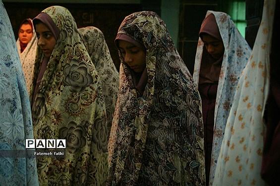 برگزاری نماز جماعت در مدارس چهاردانگه