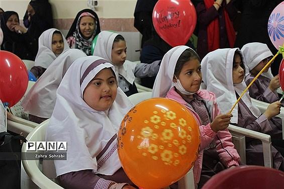 جشن گرامیداشت روز معلولین آموزشگاه استثنایی باغچهبان اسلامشهر