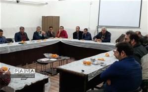 برگزاری جلسه شورای دبیران دبیرستان پسرانه ابوذر ابرکوه