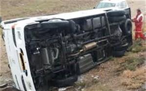 واژگونی اتوبوس نیروهای عملیاتی هلال احمر را به سر حادثه کشاند