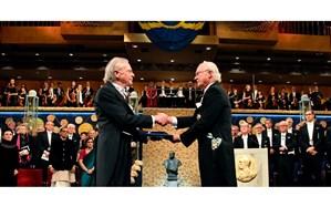 اعطای جایزه نوبل ادبیات جنجال آفرین شد