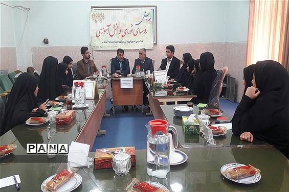 برگزاری انتخابات مجمع مشاورین شورای دانشآموزی شهرستان اشکذر