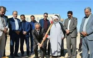 آغاز ساخت یک مدرسه خیری در بفروئیه میبد