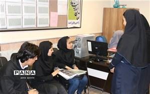 بازدید کارشناسان سازمان دانش آموزی قزوین از شوراهای دانش آموزی بویین زهرا