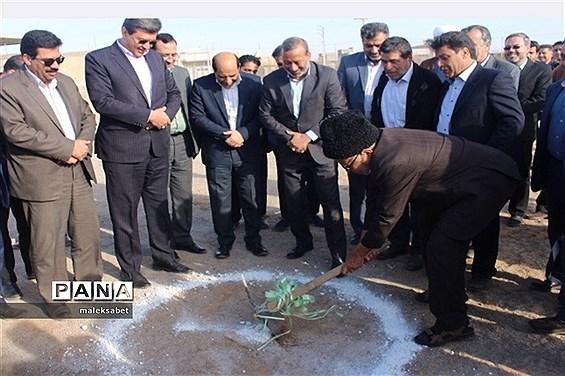 آغاز احداث مدرسه 12 کلاسه خیرساز درفهرج یزد