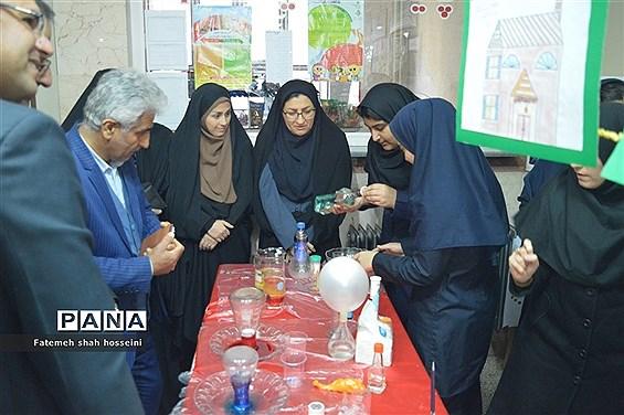همایش گرامیداشت هفته پژوهش درشهرستان فیروزکوه