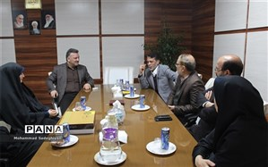 دیدارمعاون اجتماعی و فرهنگی شهرداری منطقه 19 با حنیف نیا