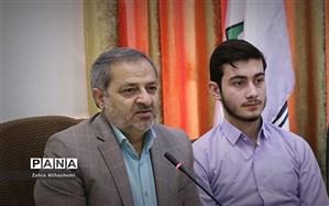 علیرضا کاظمی: نقدهای دانشآموزی شنیدنی و قابل اجرا در آموزش و پرورش است