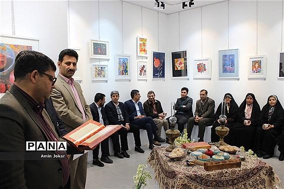 برپایی نمایشگاه  هنرجویان هنرستان هنر و اندیشه  شیراز