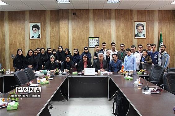 نخستین جلسه منتخبین شورای دانش آموزی آموزش پرورش ناحیه ۴ شیراز
