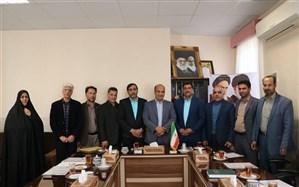 تقدیر فرماندار اشکذر از اعضای گروه بهبود کیفیت سواد آموزی شهرستان