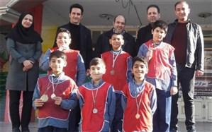تجلیل از مدال آوران مسابقات ورزشی آموزشگاه امام علی(ع) ناحیه دو شهر ری