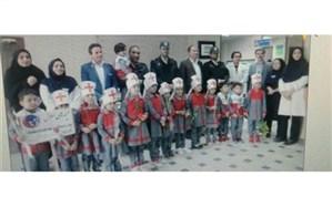 سرپرست انتظامی بافق از پرستاران بیمارستان ولیعصر(عج) بافق تقدیر کرد