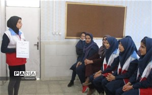 طرح دادرس در مدرسه سپیده شهرکرد برگزار شد