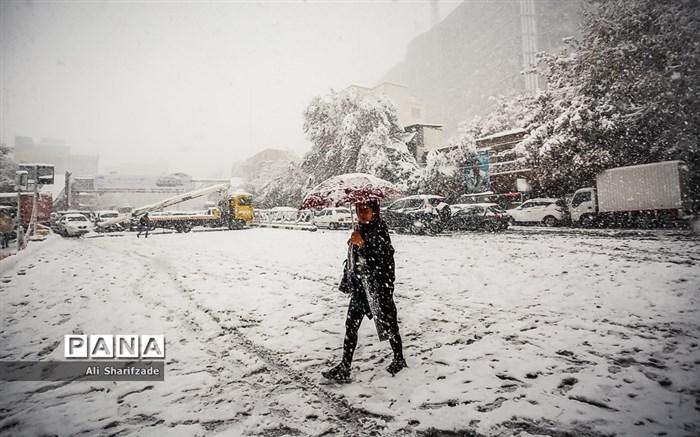 بارش برف پاییزی در تهران