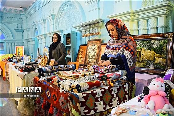 برپایی نمایشگاه صنایع دستی و هنرهای کاربردی آبادان