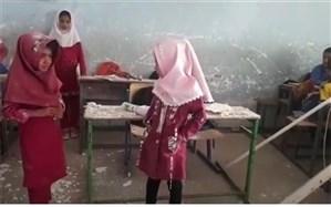 جزئیات علت ریزش سقف یک مدرسه در میناب؛ هیچ  دانشآموزی آسیب ندید