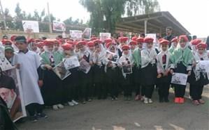 دانش آموزان وفرهنگیان چابهاری در مقابل سپاه این شهرستان تجمع کردند