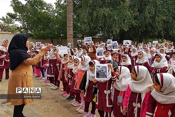 ادای احترام دانشآموزان مدارس زرین دشت به سردار شهید قاسم سلیمانی