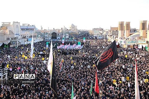 اجتماع بزرگ مردم و هیاتهای عزاداری یزد درسوگ شهید سلیمانی