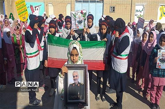 پویش فرهنگی « سپاس سردار » در مدارس استان سمنان کلید خورد