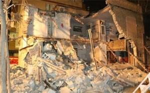 تخریب ساختمان دو طبقه و نجات معجزهآسای دو نفر در مشهد