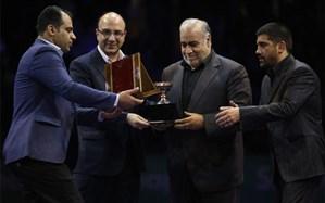 وزارت ورزش و جوانان و فدراسیون کشتی از استاندار کرمانشاه تجلیل کرد