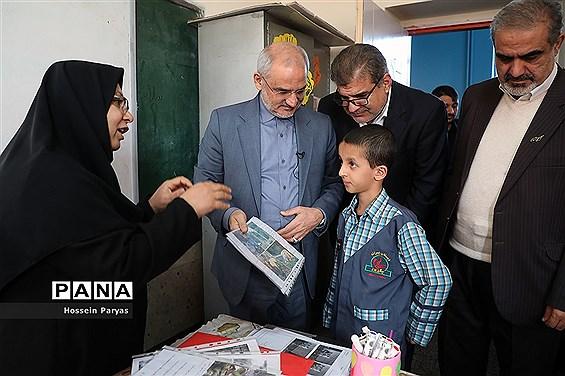 بازدید سرزده وزیر آموزش و پرورش از دبستان پسرانه چنگیزپور در منطقه 16 تهران