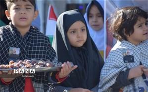 مراسم بزرگداشت سردارسلیمانی توسط مهد بچه های آسمانی ابرکوه