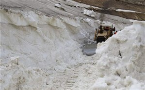 ارتفاع برف در گردنههای مهاباد به نیم متر رسید