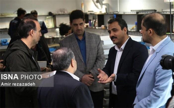 بازدید خبرنگاران از صنایع موفق دهههای فجر گذشته در یزد