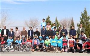 بازدید رییس فدراسیون دوچرخهسواری از اردوی تدارکاتی تیم ملی نوجوانان در یزد