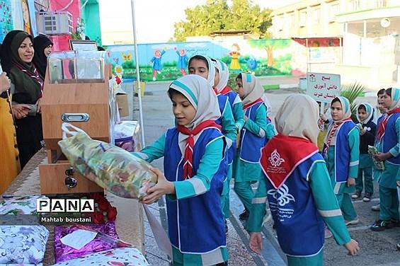 آیین نمادین دومین سیل مهربانی  همکلاسی در دشتستان