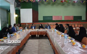 بازدید تیم آموزش ابتدائی استان از دبستان های ابرکوه