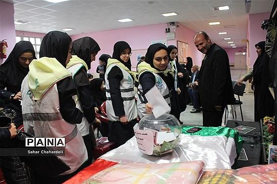 اجرای طرح دومین سیل مهربانی همکلاسیها در مدارس استان همدان