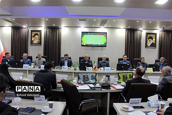 جلسه هماندیشی و دوره آموزشی معاونان توسعه مدیریت و پشتیبانی مناطق 24 گانه آذربایجان غربی در ارومیه
