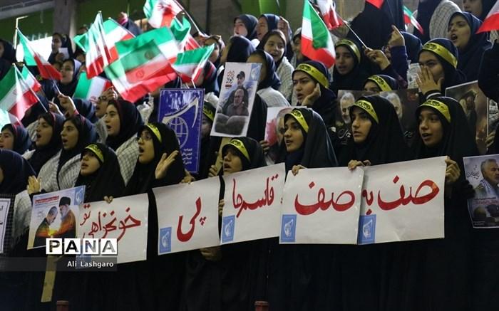 مانور یاوران انقلاب در شهرستان سمنان برگزار شد