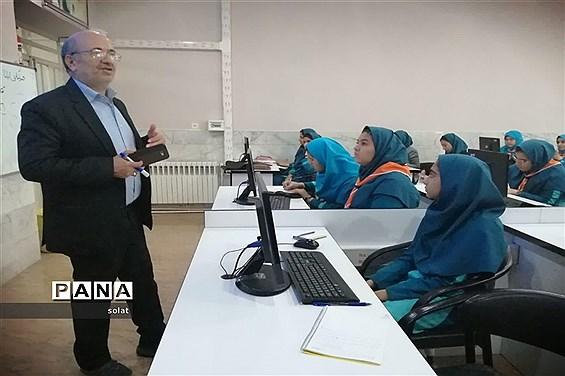 آموزش خبرنگاری در دبیرستان شهید صدوقی یزد