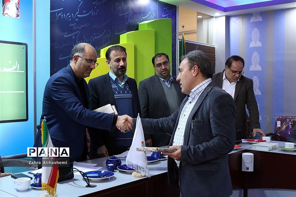 نشست شورای معاونان پرورشی مناطق نوزدهگانه شهر تهران