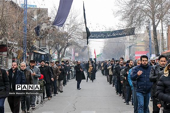عزاداری خیابانی مردم ارومیه در سوگ حضرت فاطمه زهرا (س)
