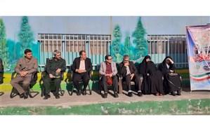 نواختن زنگ انقلاب به مناسبت آغاز ایام الله دهه فجر در منطقه18