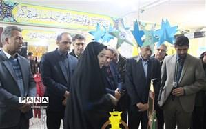 نمایشگاه مدرسه انقلاب در آموزشگاه شاهد نجابت  برپا شد