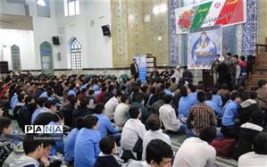 جشن تکلیف مقدمه ای جهت ترغیب دانش آموزان به انجام فرائض دینی است