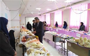 در دبیرستان حضرت معصومه (س) شهرستان نهبندان بر پا شد: بازارچه کار و فناوری