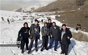 کوهنوردی  به مناسبت ایام دهه فجرآموزشگاه بهبهانی منطقه12