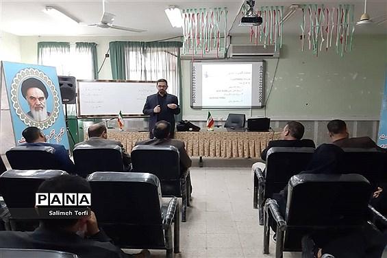 برگزاری کارگاه تفکر و سواد رسانه وآموزش عکاسی درشهرستان حمیدیه