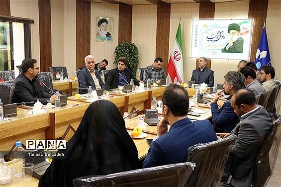 نشست هم اندیشی مدیرکل صداو سیمای خوزستان با مدیران رسانه ها