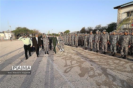 برگزاری صبحگاه مشترک نیروهای نظامی و انتظامی