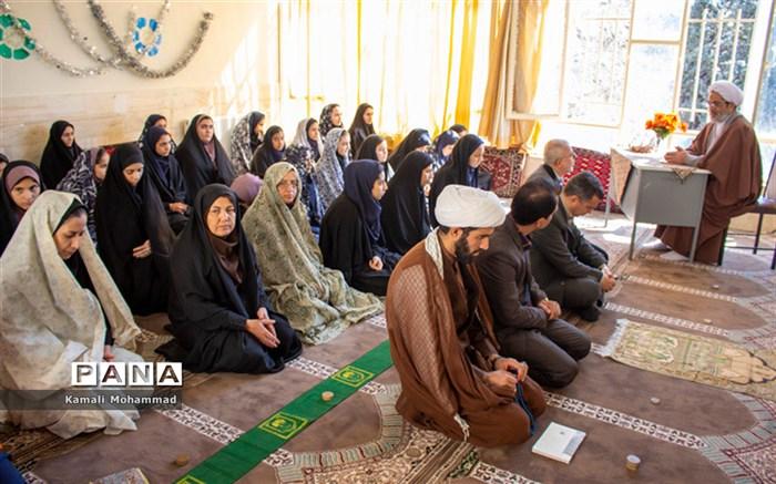 یکی از دستاوردهای انقلاب اسلامی پیشرفتهای علمی حاصل از تلاش دانشمندان متعهد است